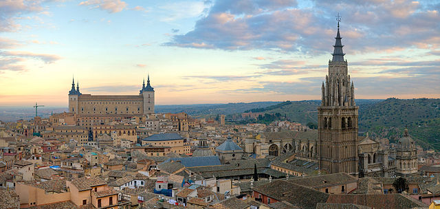 A panorama of the Toledo Skyline, one of the cities that the Dunwoody Study Abroad group will vista. Image credit: Photo by DAVID ILIFF. License: CC-BY-SA 3.0