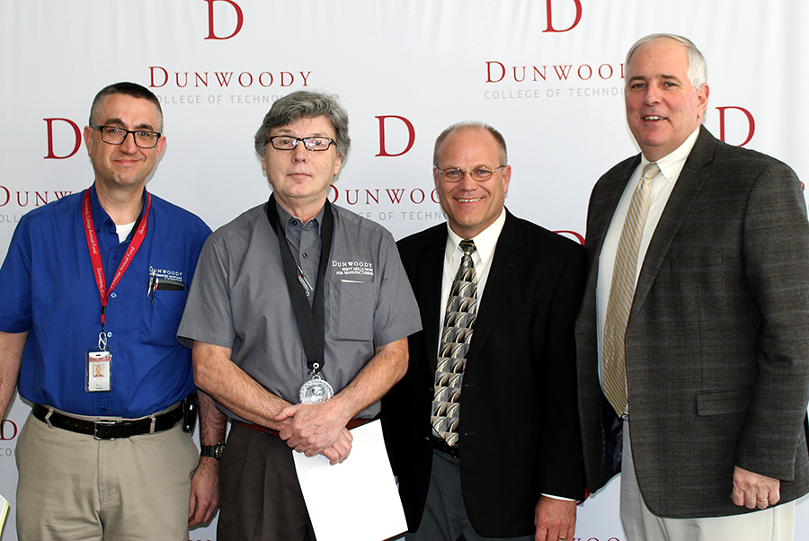 2018 Distinguished Teacher Award Tom Larson