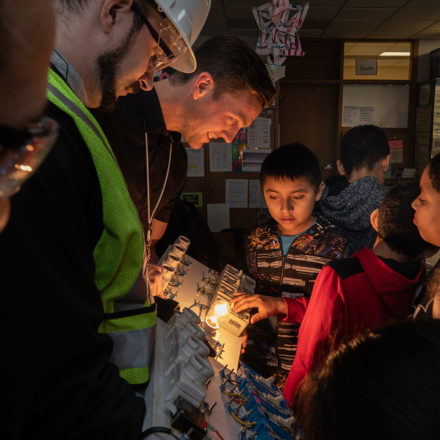 Dunwoody Electrical Students Teach Richfield Fourth Graders