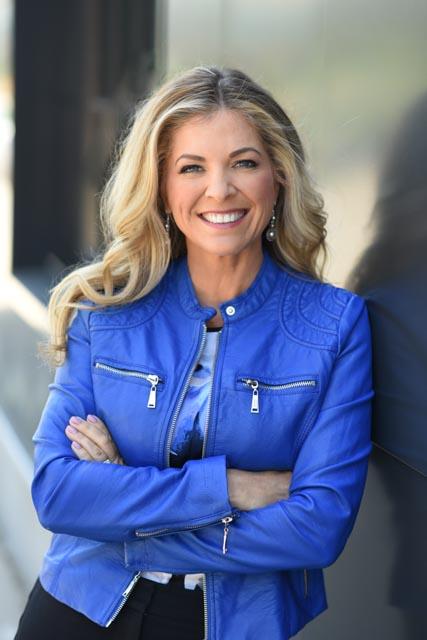 Headshot of Lynne Jensen-Nelson